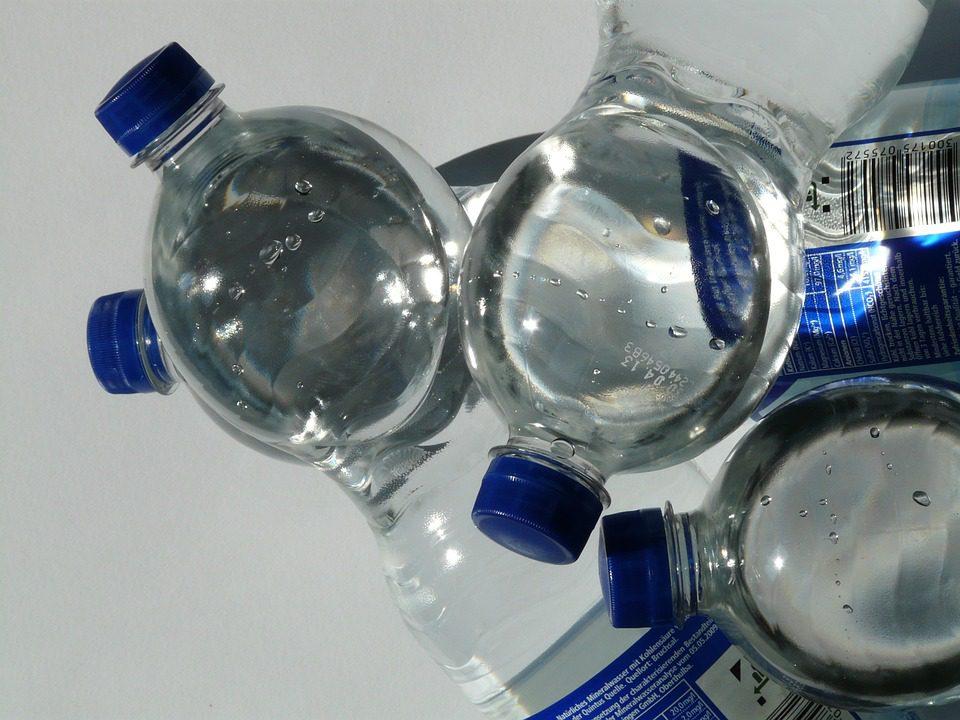 L'odeur du plastique attire grandement les poissons