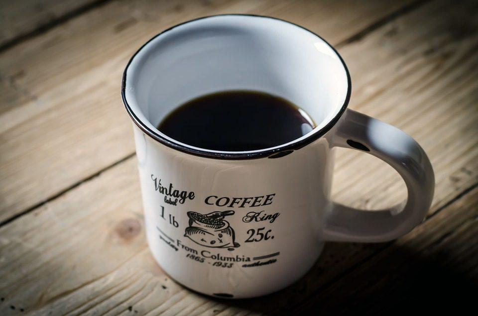 Café : une dose maximale de 4 tasses par jour pour en tirer les bénéfices et ne pas en subir les effets néfastes