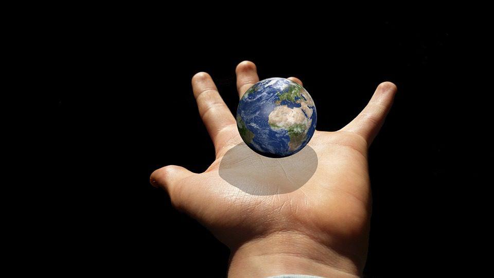 La Terre est en danger, va t-elle encore pouvoir nous héberger longtemps dans de bonnes conditions ?