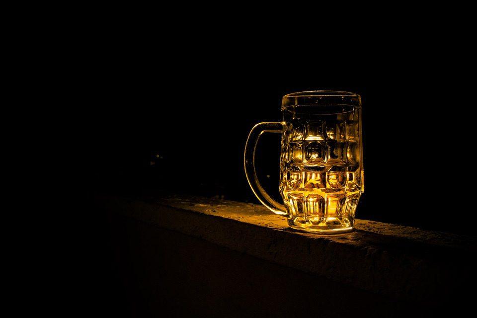 Mettre de l'eau dans son whisky pourrait en améliorer le goût en bouche