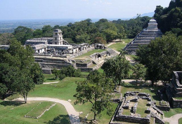 Une cité maya
