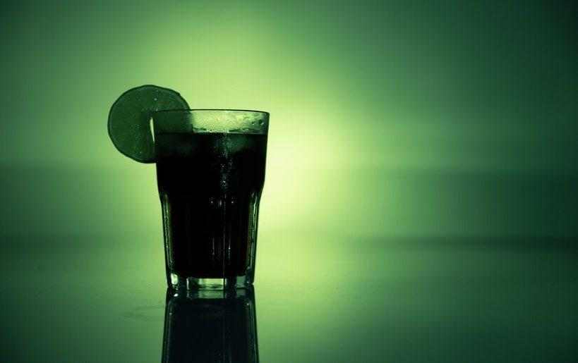 L'alcoolorexie est au goût du jour pour les femmes qui préfèrent sauter des repas pour privilégier l'apport calorique de l'alcool festif