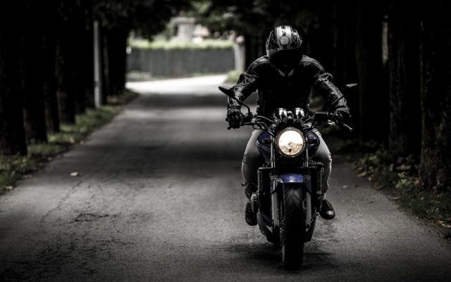 Un motard