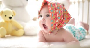 Bouées de cou pour bébé : la mode que les parents doivent éviter