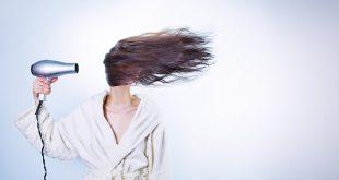 Les soins à privilégier pour garder vos cheveux en bonne santé pendant l'été