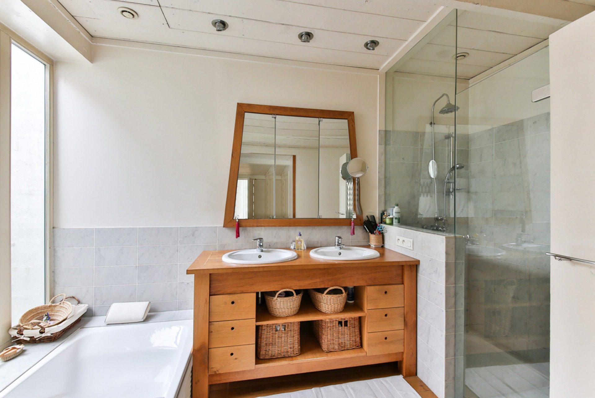 senior-salle-de-bain